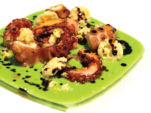 Pea soup with grilled octopus, GROKSÌ! and balsamic vinegar